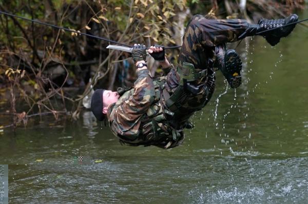 Развој војничких маскирних униформи