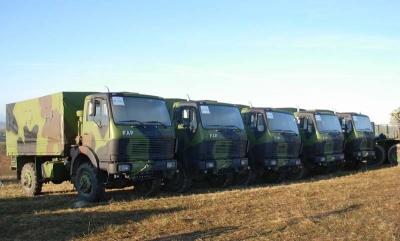 Војска Србије преузела 32 камиона ФАП-1118