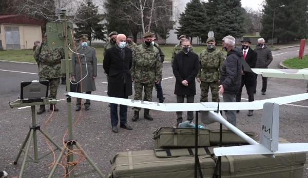 Министар одбране Републике Србије посетио Војнотехнички институт
